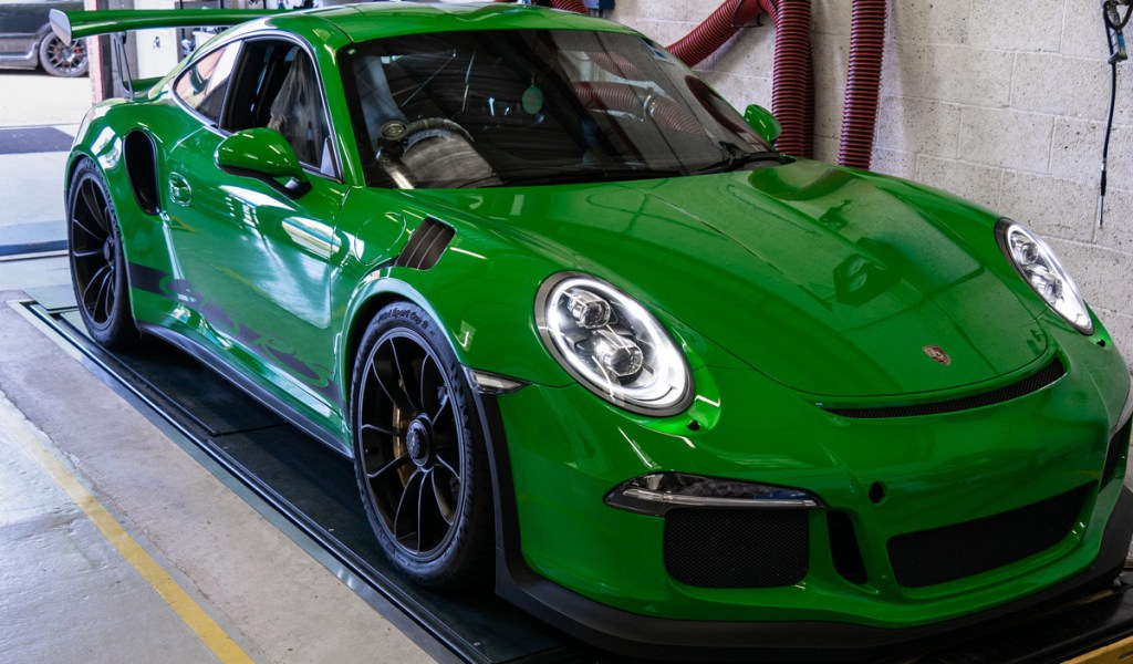 Porsche-service-9