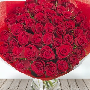 Giant Bouquet of fresh cut red Roses regal flowers