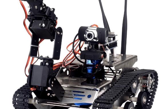 robot da costruire con braccio programmabile e telecamera