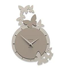 orologio da parete elegante con farfalle