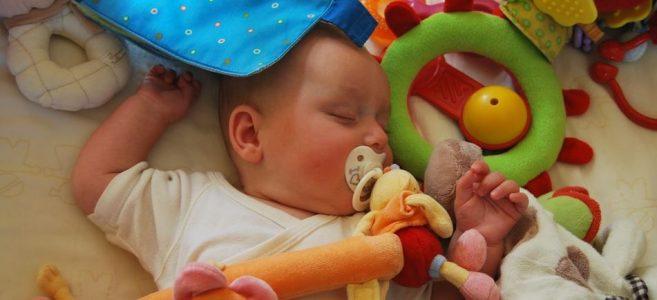 Regali per donna in gravidanza bebè che dorme