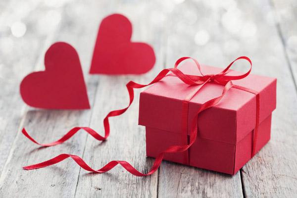 100 Idee Regalo Incantevoli Per San Valentino 2019 Per Lui