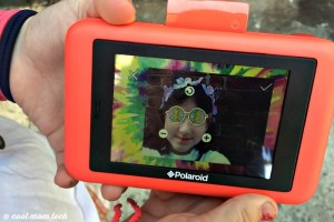 Edición en la pantalla de la camara instantanea polaroid snap touch