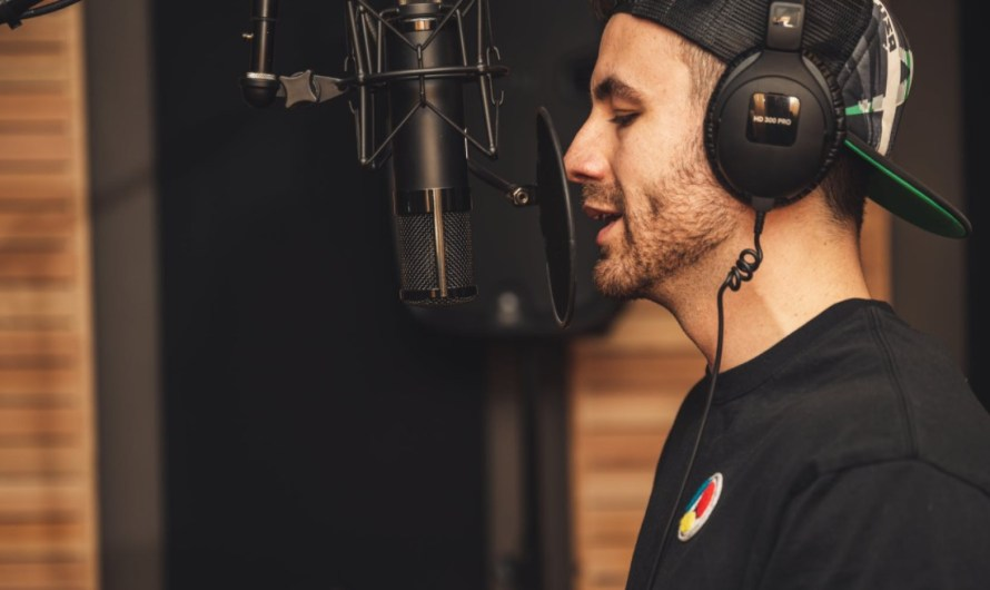 9 Best Auto-tune Apps for Android and iOS