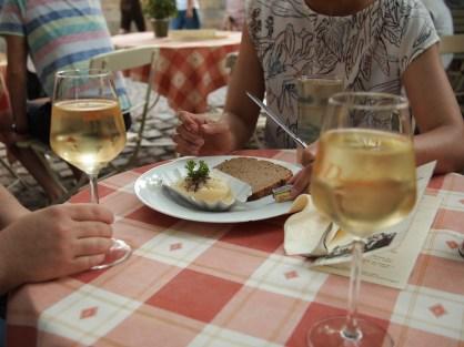 Handkäse and Weißwine