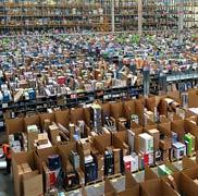 Photographie d'un hangar de stockage de l'entreprise Amazon