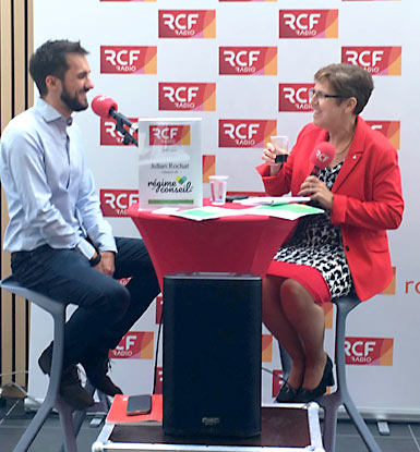 Photographie de l'interview de Julian Rochat par la radio RCF