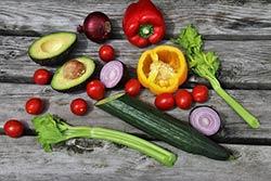 Légumes variés de toutes les couleurs pour les enfants