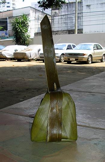 Dessert Thaï emballé dans une feuille de bananier — Thailande