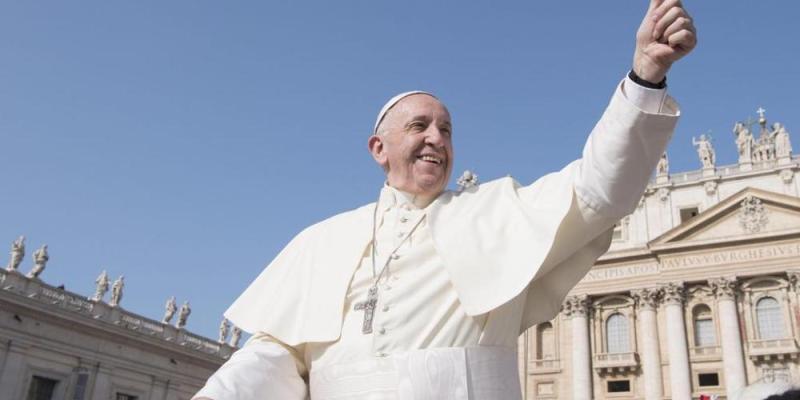 Papa Francesco pregare per il prossimo