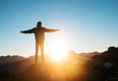 Dio è eterna beatitudine, vita immortale, luce senza tramonto