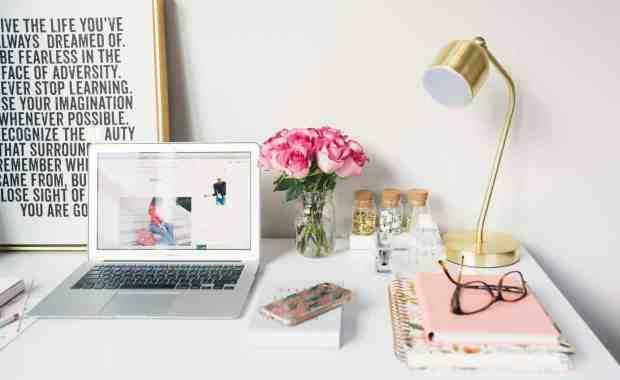 <thrive_headline click tho-post-7299 tho-test-30>How To Start A Blog Under $30</thrive_headline>
