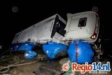28mrt2015_Vrachtwagen op zijn kant N305 Zeewolde_0650
