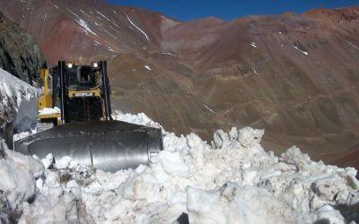 Así trabaja Vialidad Nacional Argentina para reabrir el Paso de Agua Negra