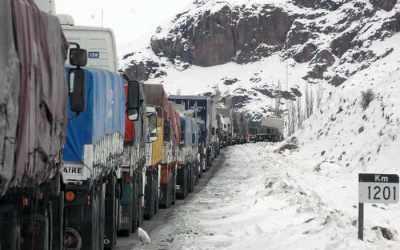 Cristo Redentor cerrado: más de 700 camiones en Uspallata esperan apertura