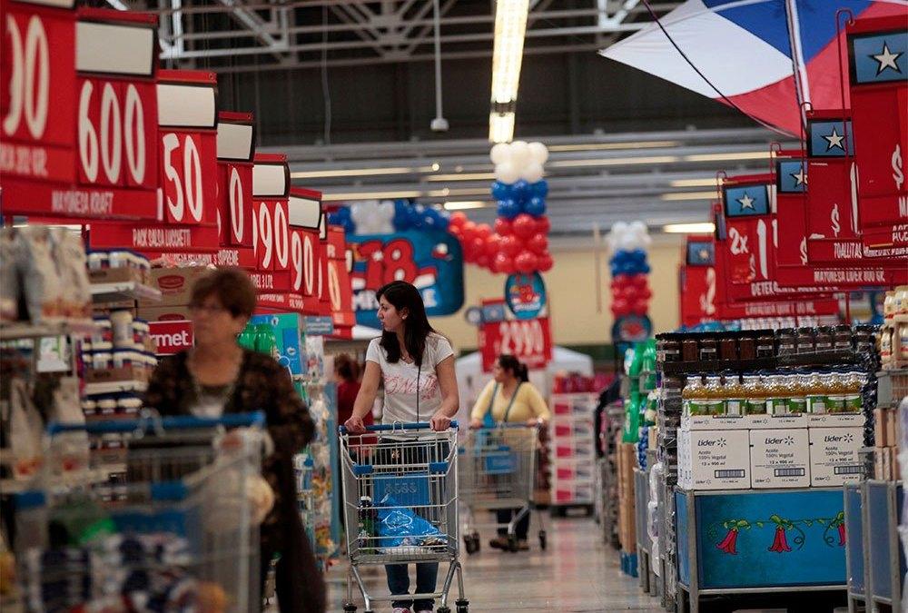 Un paseo por las góndolas de un supermercado de La Serena para conocer los precios de la mercadería