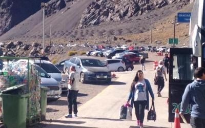 Paso Cristo Redentor: largas filas de argentinos viajando a Chile