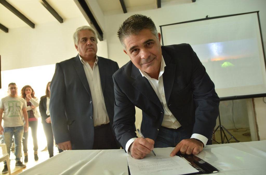 Delgado y Díaz Cano firmaron acuerdo para crear la Ventanilla Única para Pymes