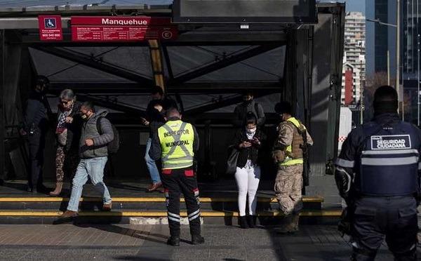 Covid-19: Chile reporta baja en positividad, muertes y contagios