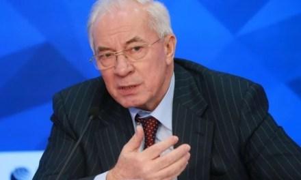 Азаров скуповує українських журналістів на свою прес-конференцію