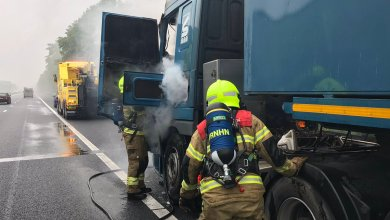 Photo of Vrachtwagen in brand op A7
