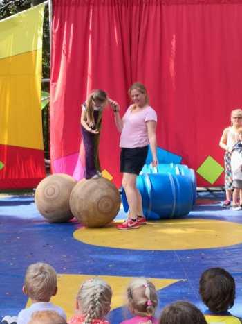 circus Tadaa bij jubilerende basisschool de Verrekijker