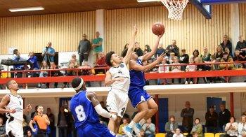 Eerste seizoenszege voor Den Helder Suns (DHFOTO).