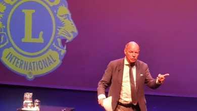 Photo of Wim Anker vermaakt Lions met humor en anekdotes