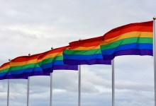 Photo of Nederlandse Defensie Academie hijst regenboogvlag