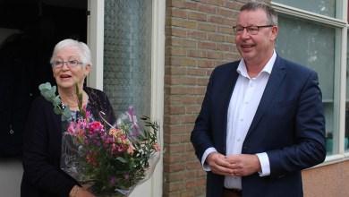 Photo of Eerste oranje plasticafvalbak in Den Helder