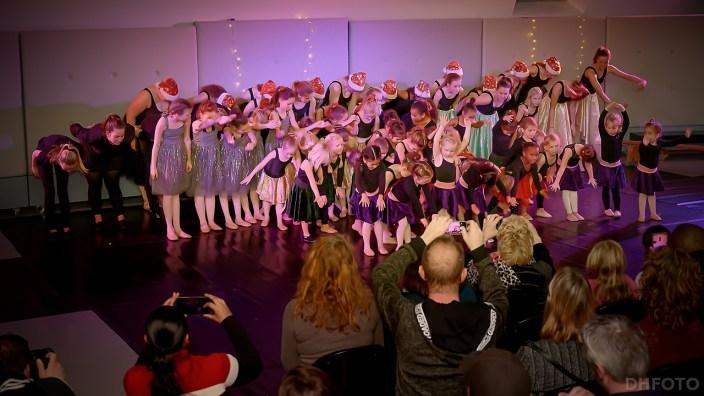 kerstpresentatie van de dansafdeling van Triade (DHfoto)