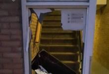 Photo of Portiek verwoest door vuurwerkbom