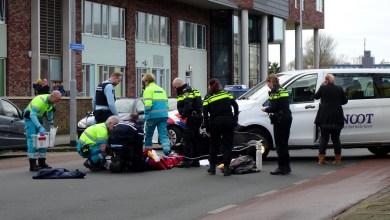 Photo of Boosterrijder gewond bij aanrijding met taxi