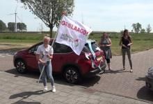 Photo of Docenten Mavo aan Zee maken felicitatierondje langs geslaagden (video)