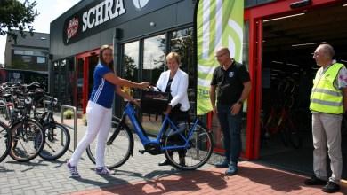 Photo of Sportwethouder Mary van Gent stopt niet, maar trapt door