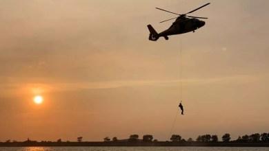 Photo of Kanoërs gered door helikopter in training