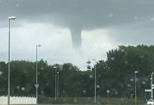 Photo of Waterhoos toont zich boven Den Helder (video)