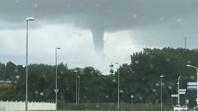 Photo of Waterhoos toont zich boven Den Helder (video)