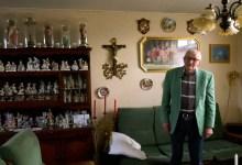 Photo of Verzamelwoede: Ton helemaal dol op heiligenbeelden (video)