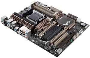 TUF Sabertooth 990FX/GEN3 R2.0: Mobo AMD con PCI E 3.0 e DDR3 2.4GHz!