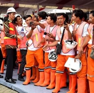 Jauh Dari Cukup, Jokowi: Sertifikasi Tenaga Kerja Konstruksi Dinaikkan Tahun Depan