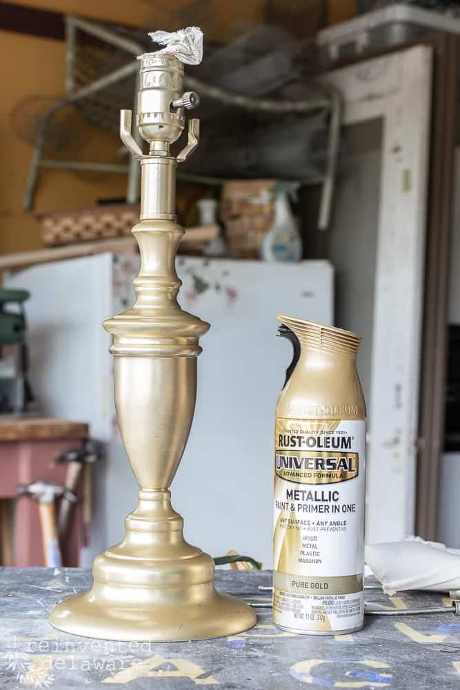 Today's project is a fun one!  Promise!  If you love thrifting and an easy lamp makeover that's fast and fun, then this tutorial is for you!  Let's get to it! #thrifter #mmsmilkpaint #lampmakeover