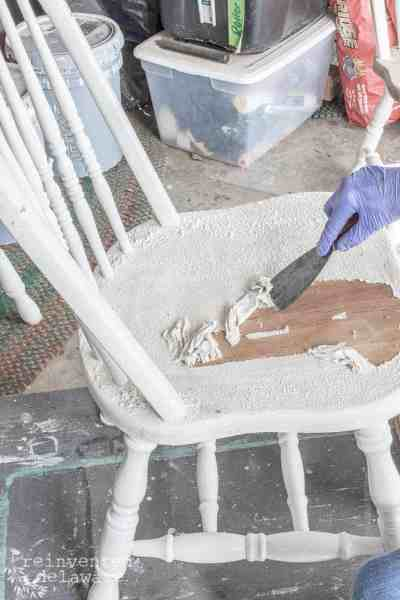 How to Strip Paint on Dining Chairs