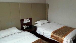Mein Bett im Lanwan Hotel Peking
