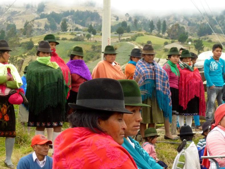 Pujilís bunter Sonntagsmarkt und ein Spontanbesuch am Bullenring