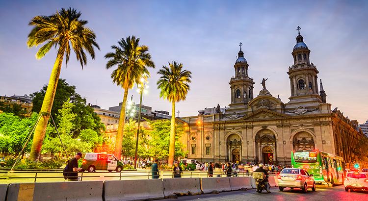 Santiago de Chile: Plaza de Armas (Bigstock cge2010)