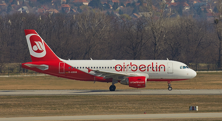 Flugzeug der Air Berlin (Bigstock / Gudella)
