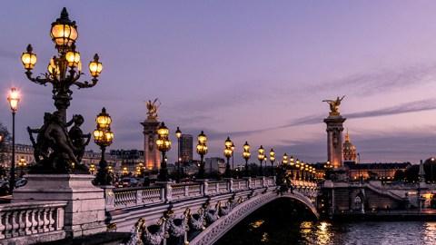 Paris (Foto: Leonard Cotta via unsplash)