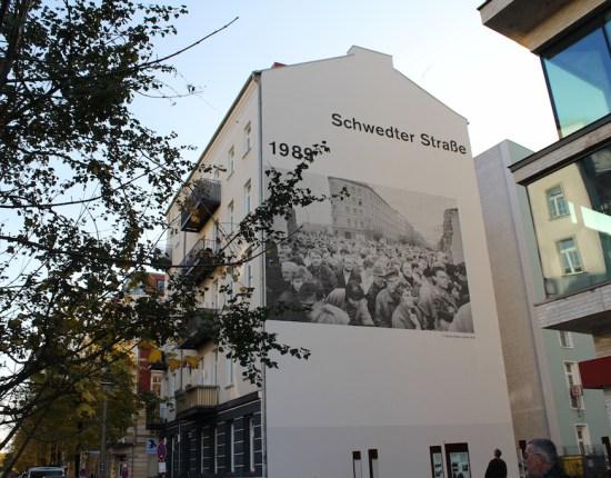 Schwedter Straße in Berlin, kurz vor dem Mauerfalljubiläum
