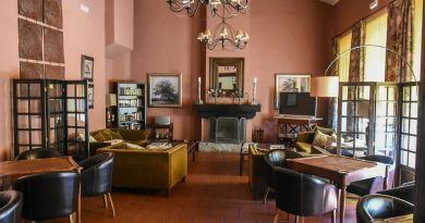 Cafe in einem Parador in Spanien